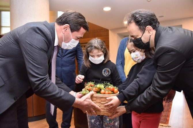 """Başkan Hasan Kılca'ya """"özel"""" ziyaretçiler"""