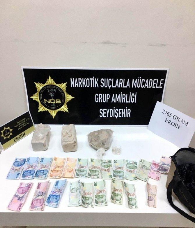 Cezaevinden izinli çıktı, 2 kilo 765 gram eroinle yakalandı