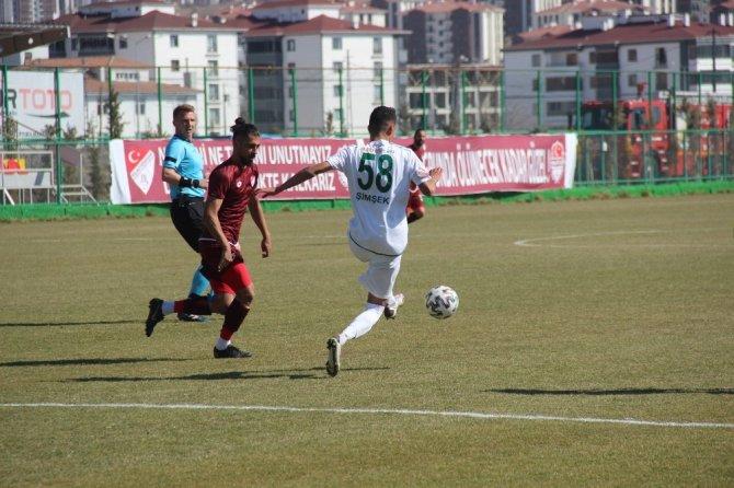 1922 Konyaspor 1 puanla döndü