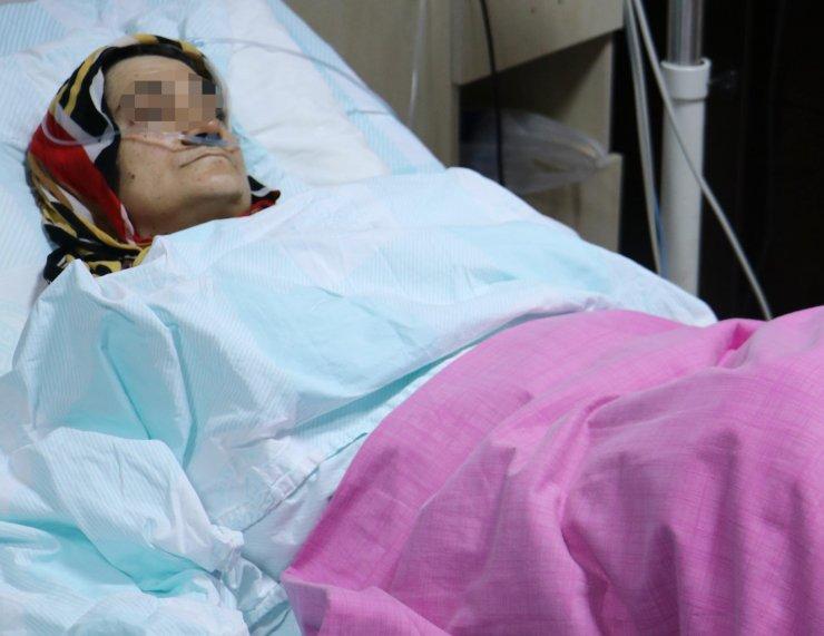 72 yaşındaki koca, üvey kızının gözü önünde eşini göğsünden vurdu
