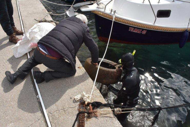 Denizden yarım ton atık çıkarıldı