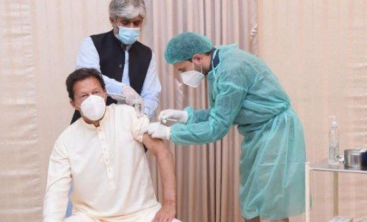Pakistan Başbakanı İmran Han, koronavirüse yakalandı