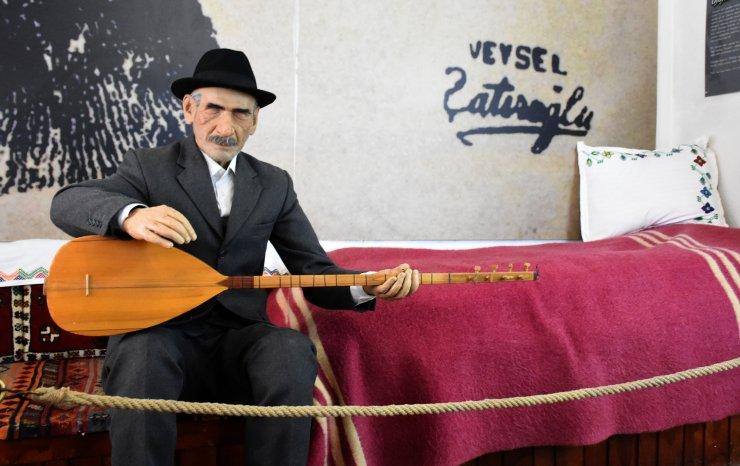 Aşık Veysel, vefatının 48'inci yılında mezarı başında anıldı