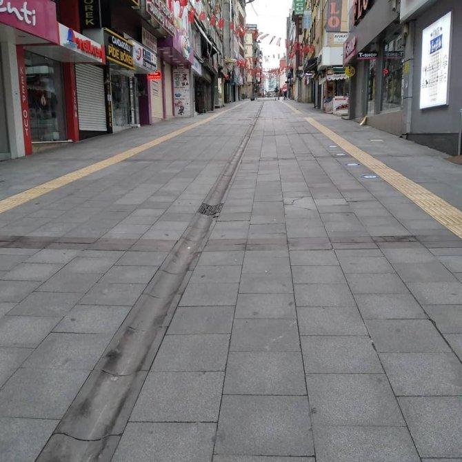 Kırmızı kategoride bulunan Giresun'da caddeler boş kaldı