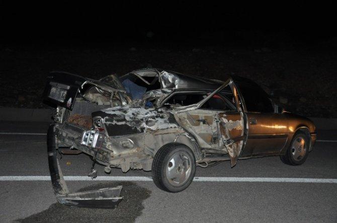 Kamyonet ile otomobil çarpıştı! Ağır yaralı, Konya'ya sevk edildi