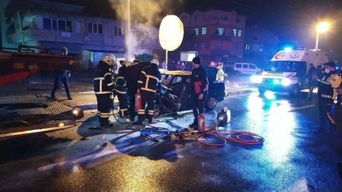 Otomobil tıra arkadan çarptı: 1 ağır yaralı