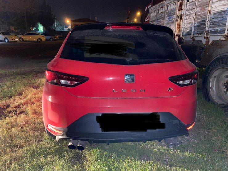 Kovalamacayla yakalanan sürücünün otomobilinin, 2 yıldır arandığı ortaya çıktı