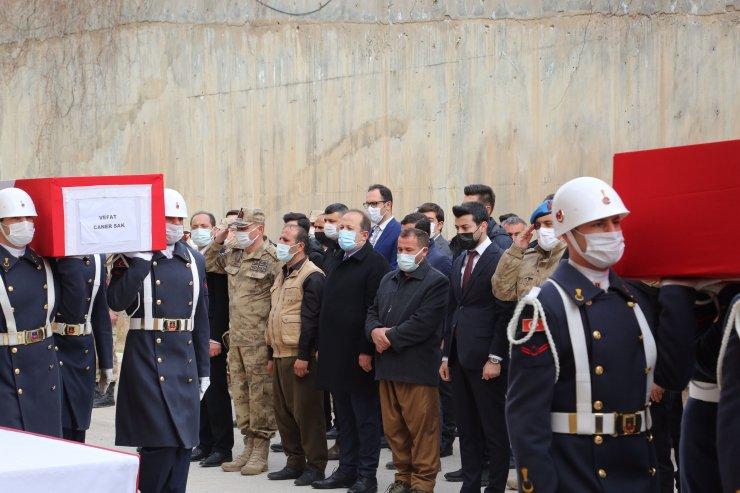 Şırnak'ta mühimmat patlamasıyla ölen 2 çocuğun cenazeleri, törenle uğurlandı