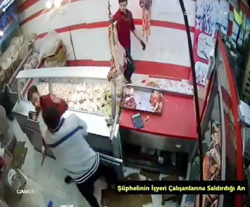 İş yerini basıp, çalışanlara saldırarak kasadaki parayı çalan 3 kişi yakalandı