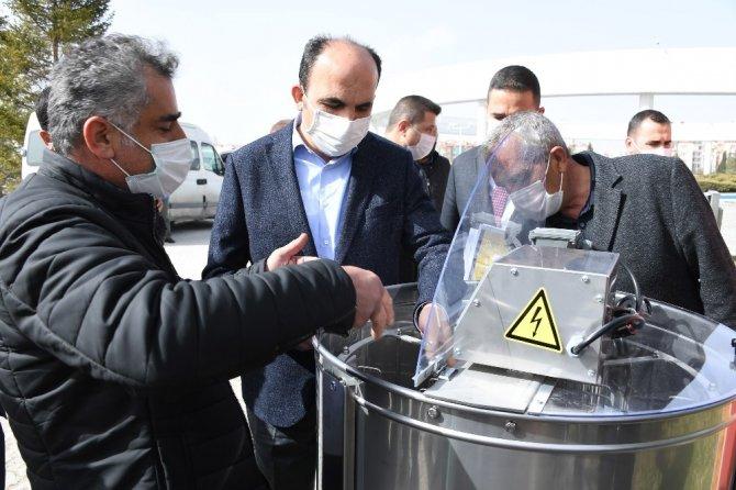 Konya Büyükşehir'den bal üreticilerine 2 milyon liralık ekipman desteği