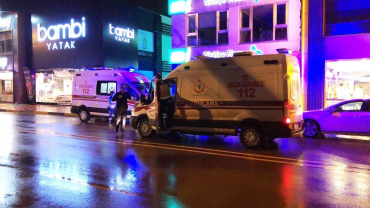 'Yol verme' tartışmasında 2 kişiyi bıçaklayıp, kaçtı