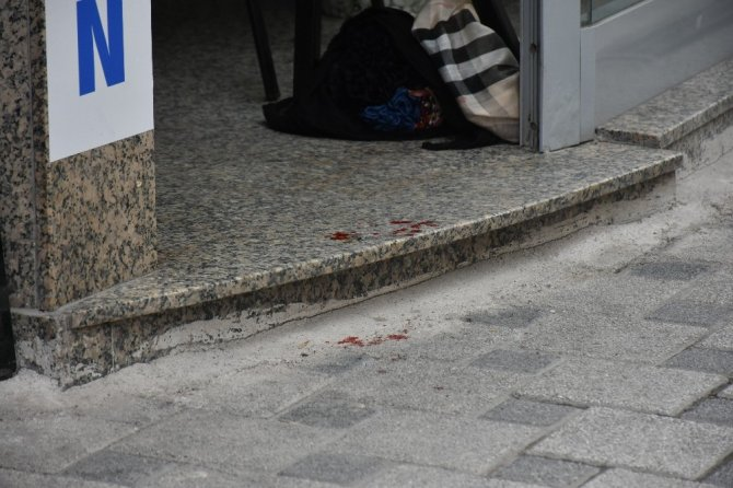 5 yaşındaki çocuk annesini silahla vurdu