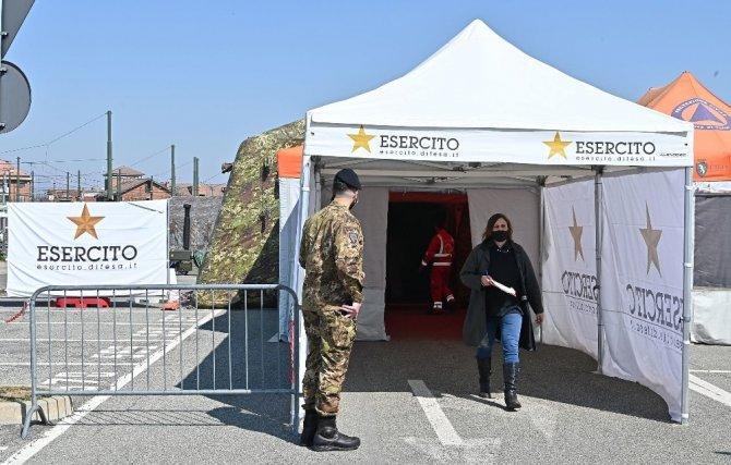 İtalya'da son 24 saatte 460 can kaybı
