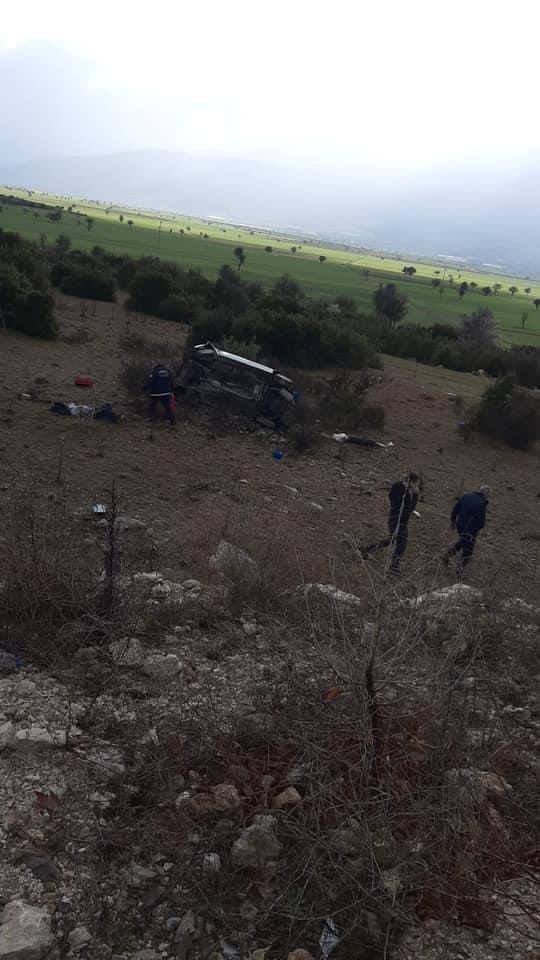 Şarampole uçan araçta 2 kişi öldü