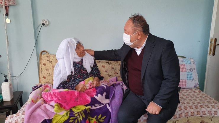 107 yaşındaki şehit annesine sürpriz doğum günü