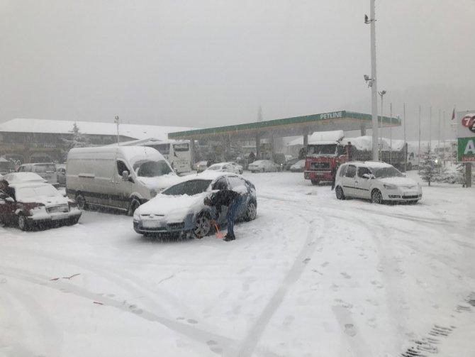 Antalya-Konya karayolunda kar sebebiyle felç olan trafik normale döndü