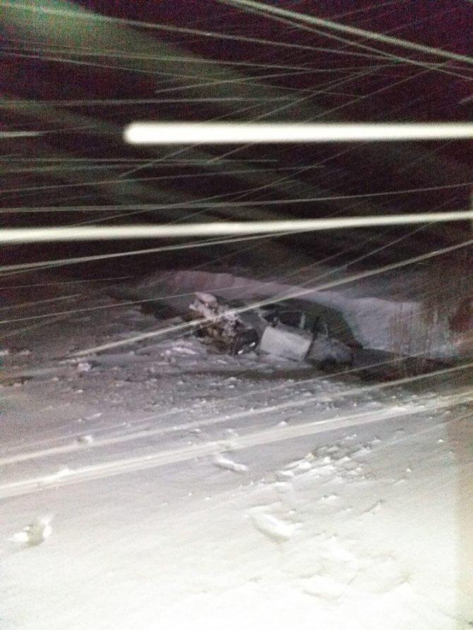 Konya'da yoldan çıkan otomobil dereye düştü: 1 yaralı