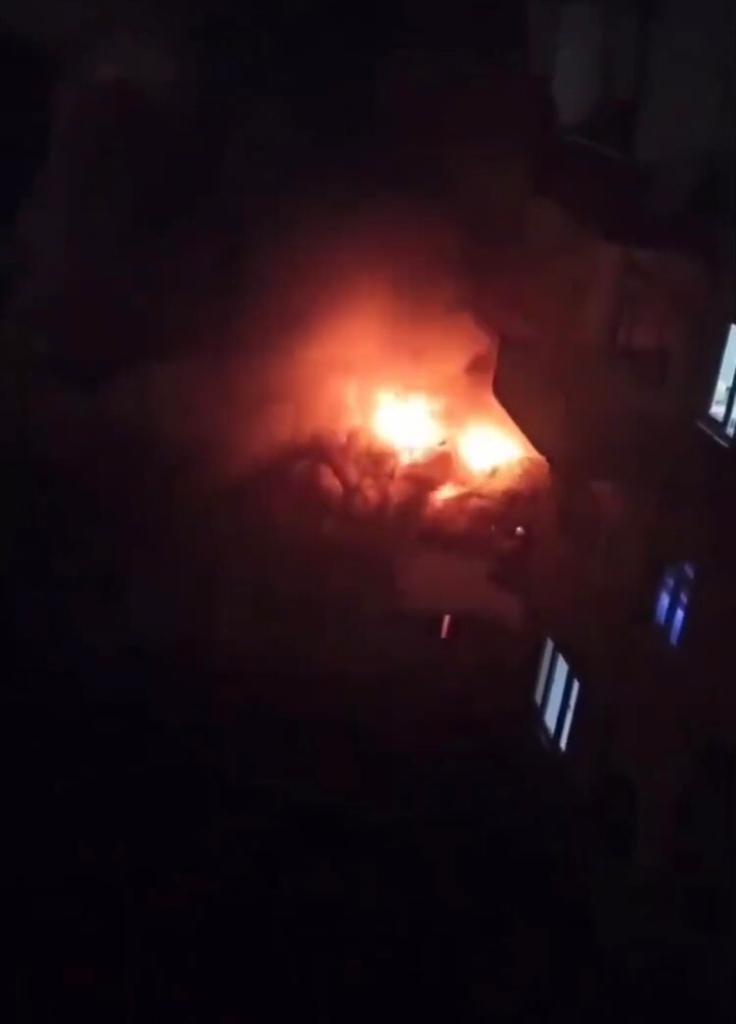 Kağıt toplayıcısı gencin yaşadığı ev alev alev yandı