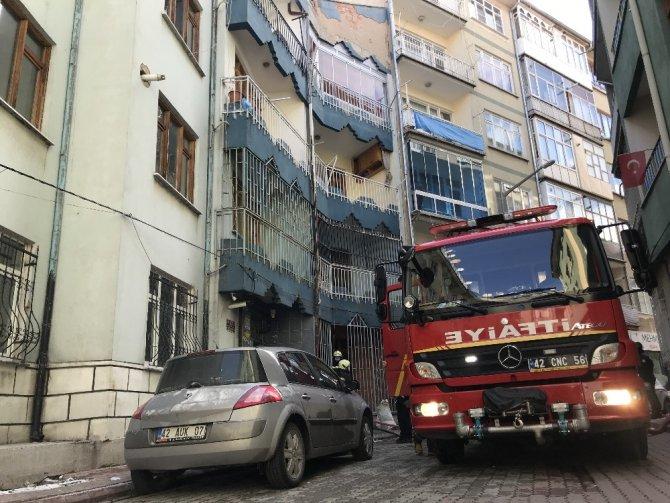 Konya'da apartman dairesinde çıkan yangın korkuttu