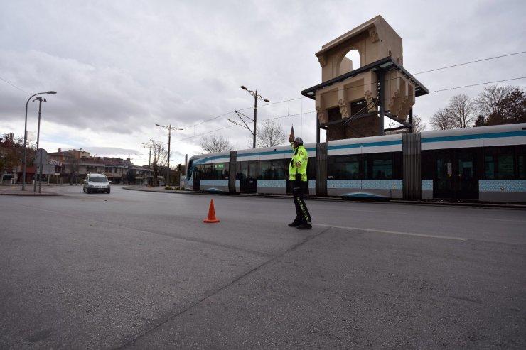 Konya'da tedbirleri ihlal eden 475 kişiye 1 milyon 427 bin lira ceza