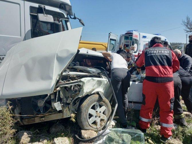 Çekici ile otomobil çarpıştı: 1 yaralı