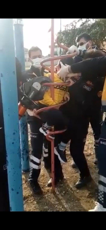 Çocuk parkında inanılmaz kaza