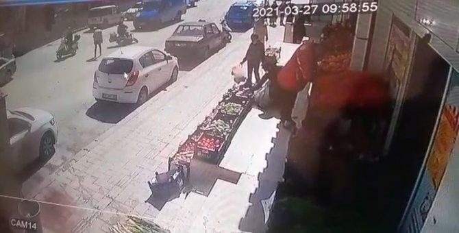 İlginç kaza güvenlik kamerasına yansıdı
