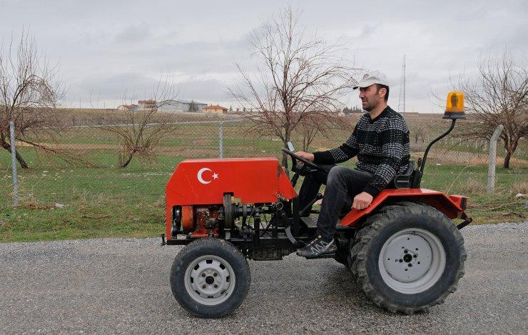 Konya'da hurda parçalarla garajında mini traktör yaptı