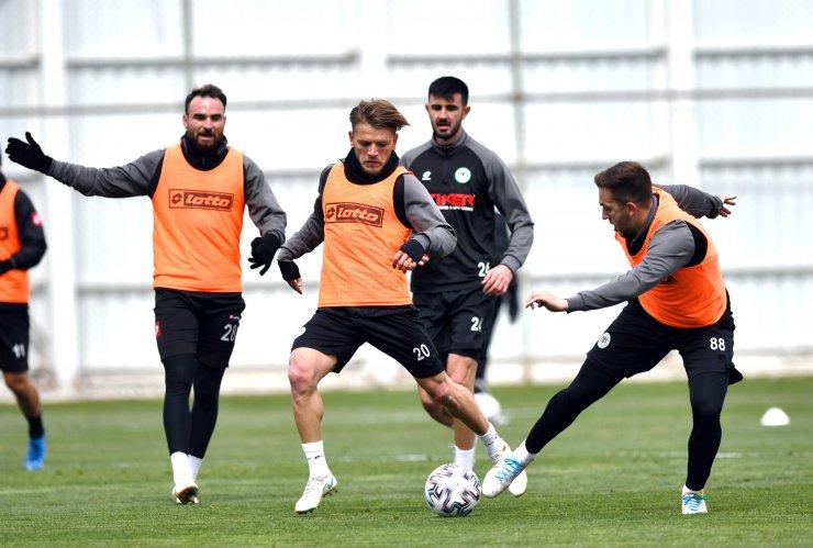 2 ismin cezalı olduğu Konyaspor'da, 4 oyuncunun sakatlığı sürüyor