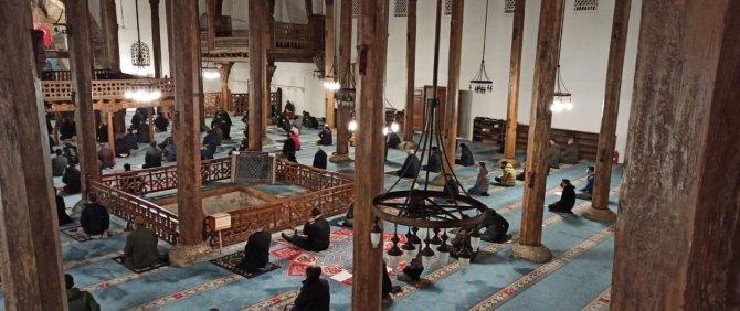 Beyşehir'de Berat Kandili dualarla idrak edildi