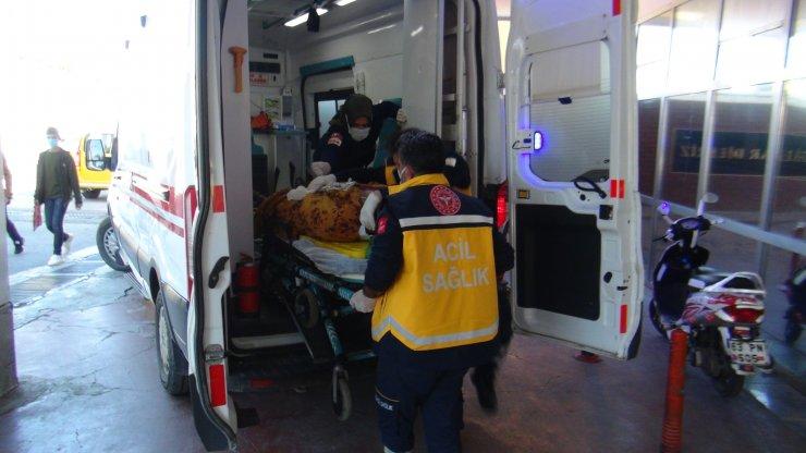 Kazada yaralanan anne ve oğlu kurtarılamadı