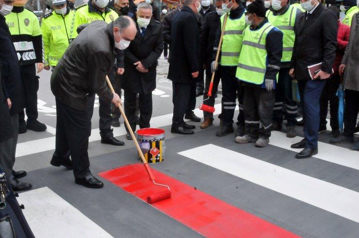 Konya'da, yaya geçitlerine 'kırmızı çizgi'