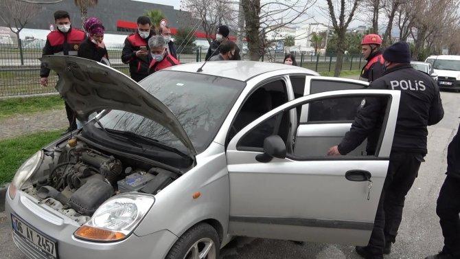 Polisin dikkati bir otomobili yanmaktan kurtardı