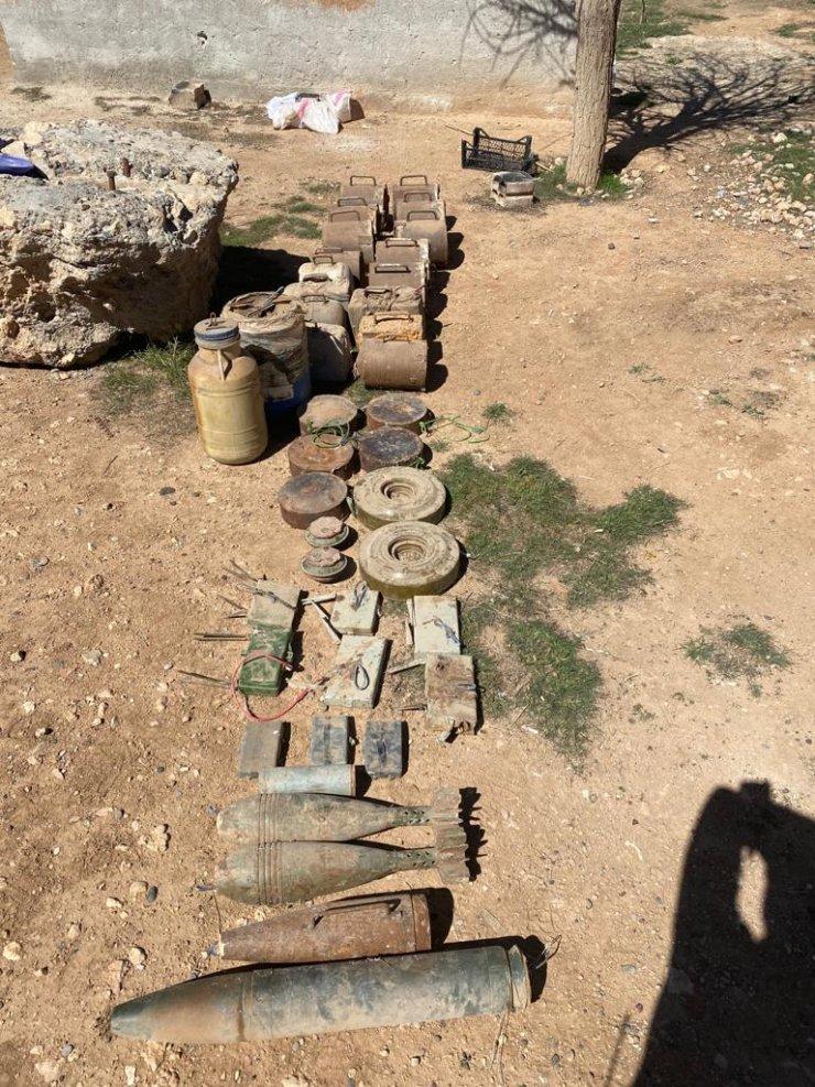 Tel Abyad'da PKK/YPG'ye ait 693 kilo patlayıcı ele geçirildi