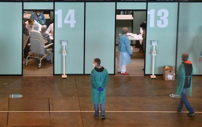 İtalya'da son 24 saatte 467 can kaybı