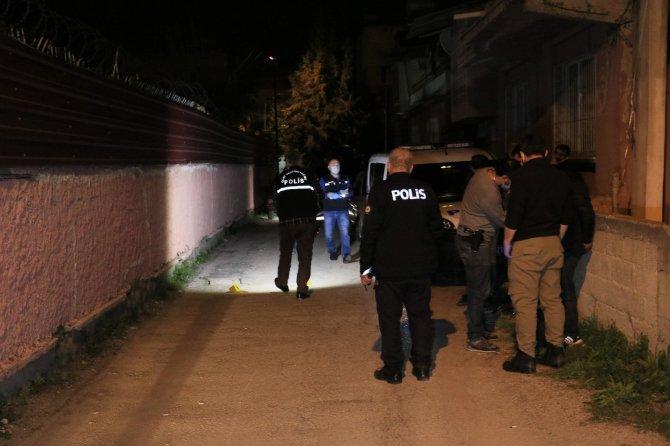 Kalaşnikofla eve saldırı düzenleyen 2 şüpheli kıskıvrak yakalandı
