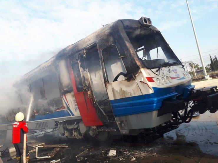 Tadilata alınan vagon, yandı