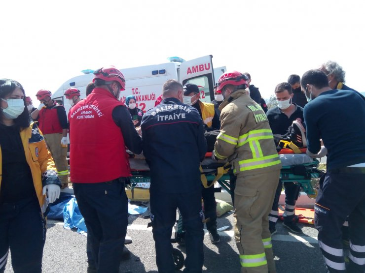 3 aracın karıştığı kazada 1 kişi öldü, 4 kişi yaralandı