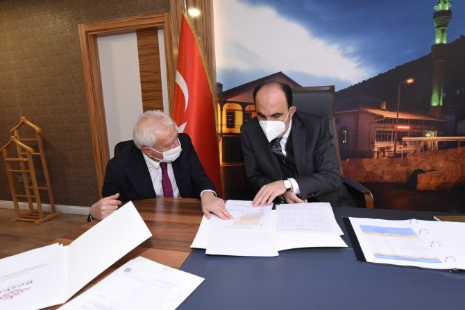 Başkan Altay, Hadimli çiftçilere sertifikalı ceviz fidanı dağıttı