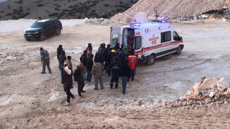 Motosiklet mermer ocağı sahasına düştü, sürücü öldü