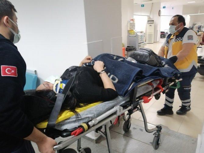 Aksaray'da kontrolden çıkan otomobil takla attı: 2 yaralı