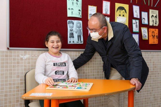 Başkan Kavuş'tan özel öğrencilerle özel ilgi