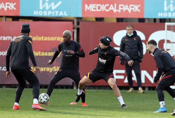 Eksik Galatasaray kritik virajda