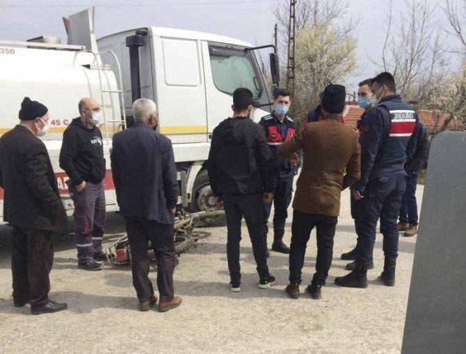 Motosiklet ile tanker çarpıştı: 1 yaralı