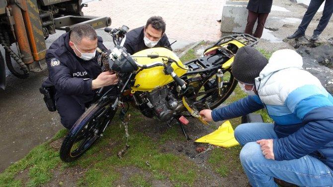 Samsun'da denizin içinde motosiklet bulundu