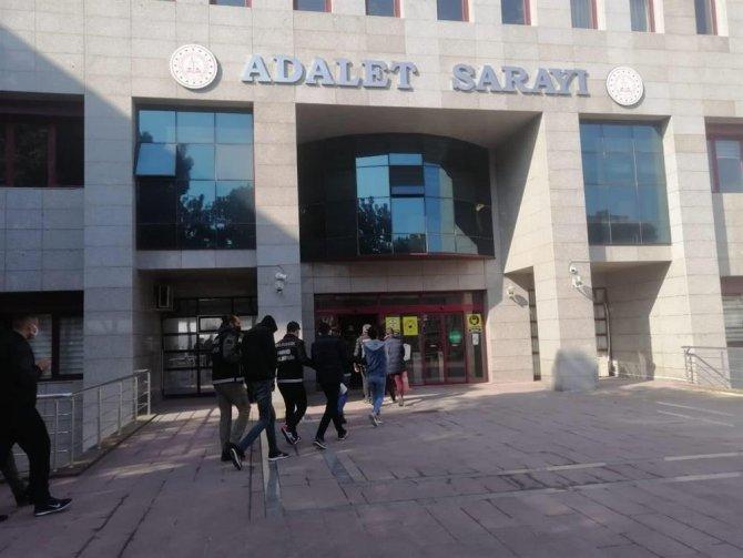 Balıkesir'de uyuşturucu operasyonu: 8 kişi tutuklandı