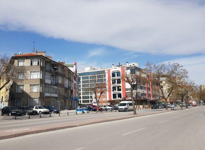 Konya'nın cadde ve sokaklarında sessizlik hakim