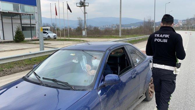 Kısıtlama trafik denetiminde vatandaşlara ceza yağdı