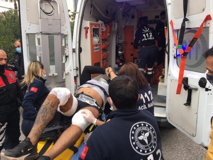 Adliyeden kelepçeli kaçmaya çalışan şüpheli, bacaklarından vurularak yakalandı