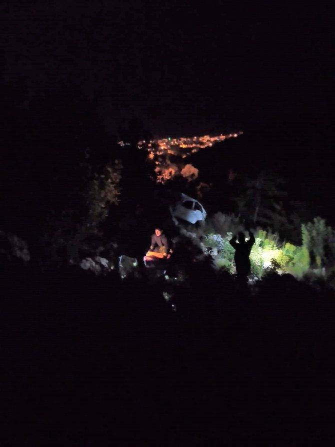 Antalya'da otomobil uçuruma yuvarlandı: 1 ölü